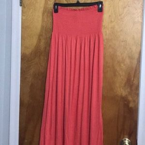 Dresses & Skirts - NWOT Coral Strapless Maxi Dress